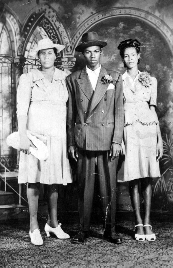 Irene Albury Farrington, Creighton Taylor and Doris Farrington Taylor, Florida, 195-
