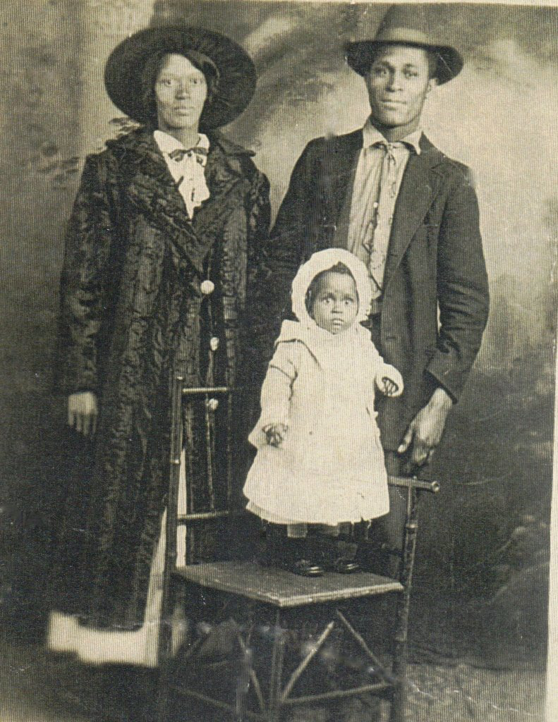 Beatrice Parker & Eddie Walton Batchelor, Detroit, Michigan, 1917, Contributed by Karen Batchelor