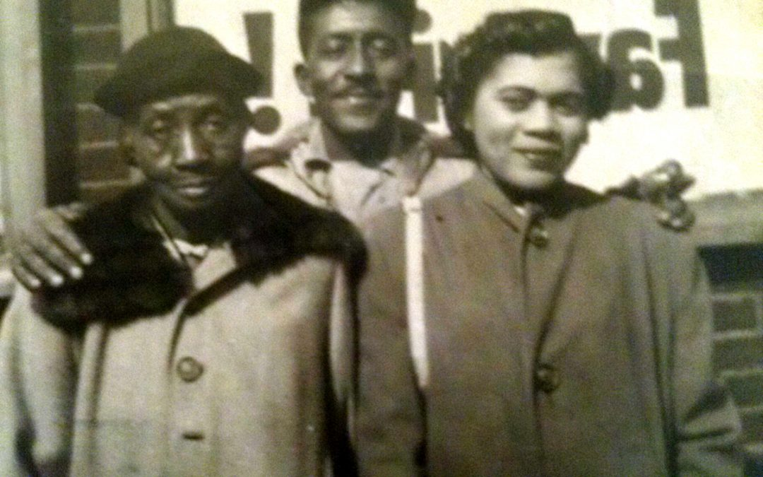 Gladys Adams Ford Buffington, Lawrence Buffington and Minnie Walker, Waterford, MS, ca. 1942, Contributed by Eunice Buffington